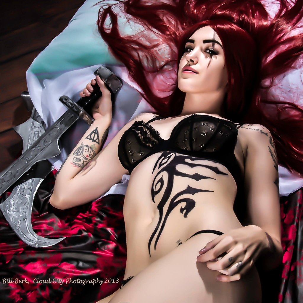 katarina_cosplay___league_of_legends_by_feoranna-d6ivocf.jpg